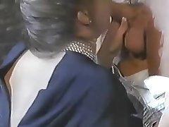 Ретро секс с очаровательной женщиной