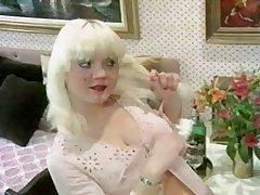 Ретро секс с милой грудастой блондинкой