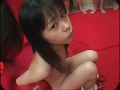 Парни по очереди кончают на лицо молодой японке