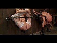 Секс видео связанные девушки участвуют в бдсм