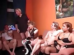 Приватное порно с горячими свингерами