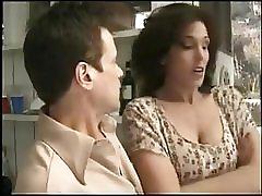 Две возбужденные девушки занимаются сексом с соседом