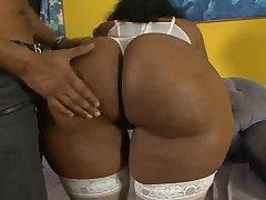 Секс с пожилой бразильской женщиной