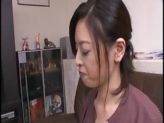 Японский секс большие титьки хозяйки соблазнили парня