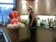 Частное порно видео с двумя лесбиянками на кухне